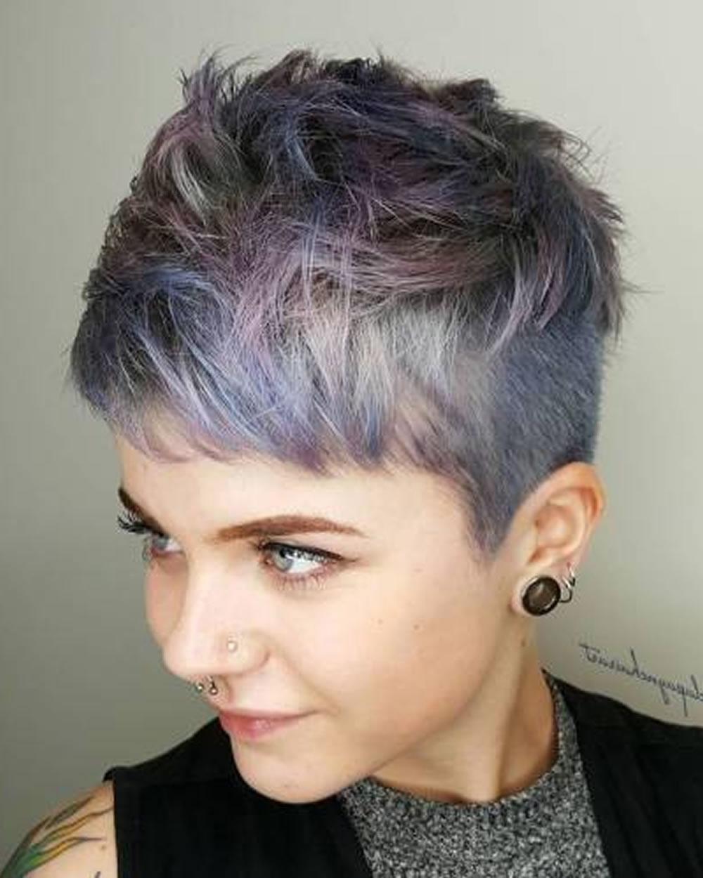 Overwhelming Short Choppy Haircuts For 2018-2019 (Bob+Pixie Hair in Current Choppy Gray Pixie Haircuts