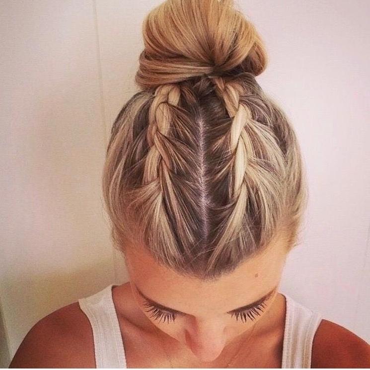 Pinadriana Mello On Penteados | Pinterest | Hair Style, Makeup Within Latest Braided Hairstyles Into A Bun (View 5 of 15)