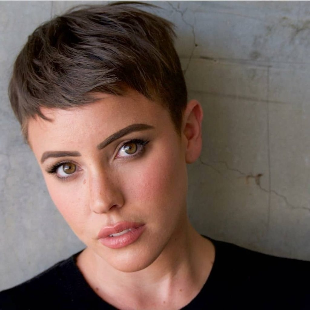 Women's Brunette Pixie With Messy Beach Texture And Taper Short For Most Popular Messy Tapered Pixie Haircuts (View 12 of 15)