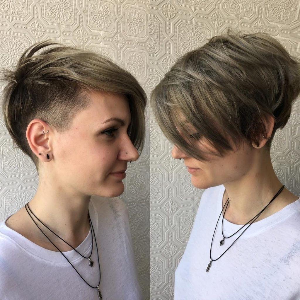 Featured Photo of Tousled Pixie With Undercut