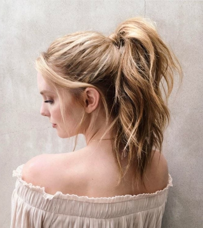 10 Beach Hairstyles That Are So Good You'll Want To Book A Holiday In Blonde Ponytail Hairstyles With Beach Waves (View 3 of 25)