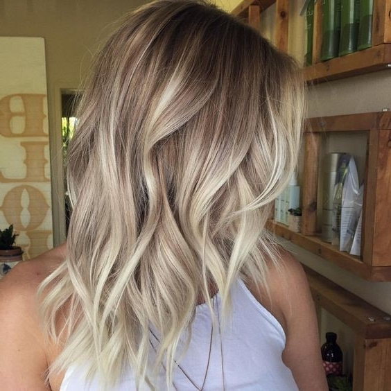 10 Beauty Medium Length Hair Cuts: 2018 Medium Hair Trends For Women In Balayage Blonde Hairstyles With Layered Ends (View 5 of 25)