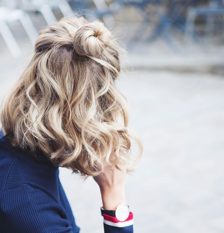 10 Best Hairstyles Ideas For Shoulder Length Hair | Everyday Throughout Loosely Coiled Tortoiseshell Blonde Hairstyles (View 13 of 25)