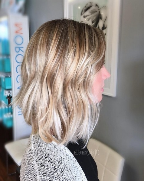 10 Medium Length Styles Perfect For Thin Hair – Popular Haircuts In Medium Blonde Balayage Hairstyles (View 6 of 25)