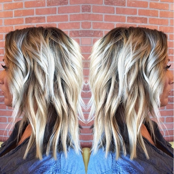 10 Medium Length Styles Perfect For Thin Hair – Popular Haircuts Inside Platinum Highlights Blonde Hairstyles (View 11 of 25)