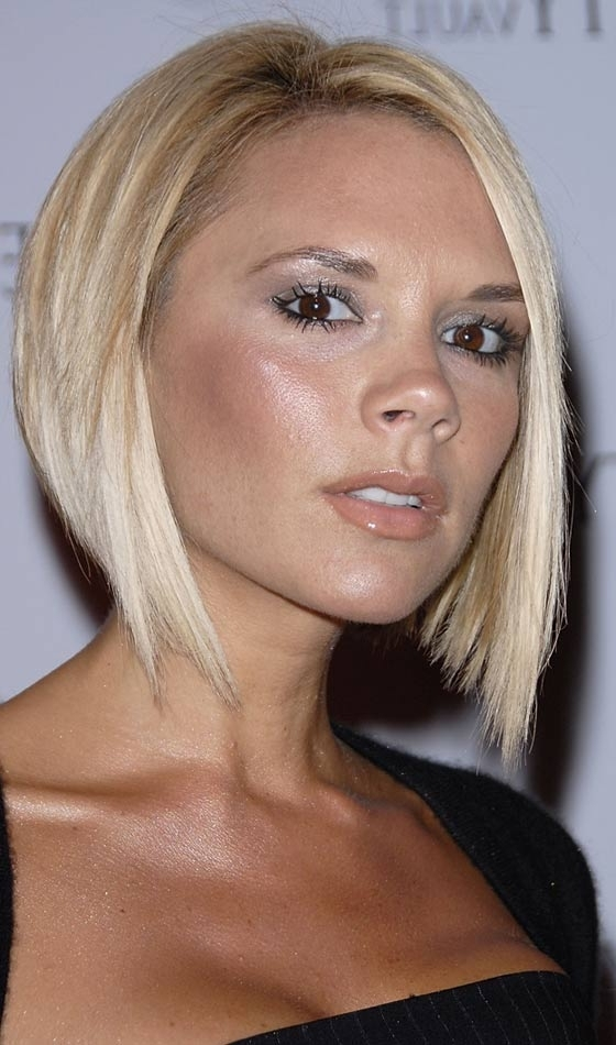10 Sexy Victoria Beckham's Bob Hairstyles In Posh Bob Blonde Hairstyles (View 4 of 25)