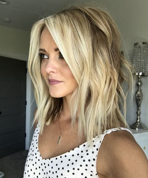 10 Stylish & Sweet Lob Haircut Ideas, 2018 Shoulder Length Hairstyles For Messy Blonde Lob Hairstyles (View 18 of 25)