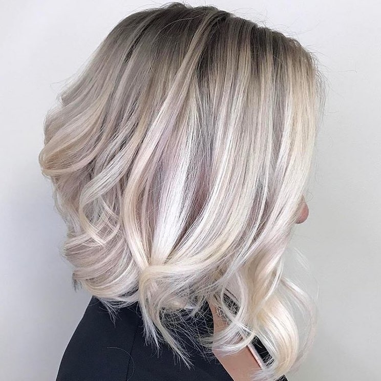 10 Wavy Haircuts For Medium Length Hair 2018 – Color Me Gorgeous! In Gently Angled Waves Blonde Hairstyles (View 7 of 25)