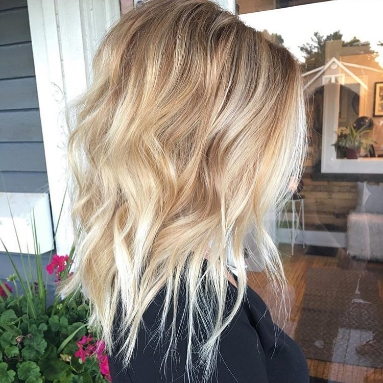 10 Wavy Lob Hair Styles – Color & Styling Trends Right Now! Within Wavy Caramel Blonde Lob Hairstyles (View 5 of 25)