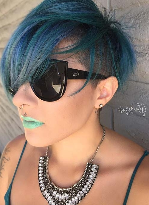 100 Short Hairstyles For Women: Pixie, Bob, Undercut Hair | Fashionisers For White Blonde Hairstyles With Dark Undercut (View 13 of 25)