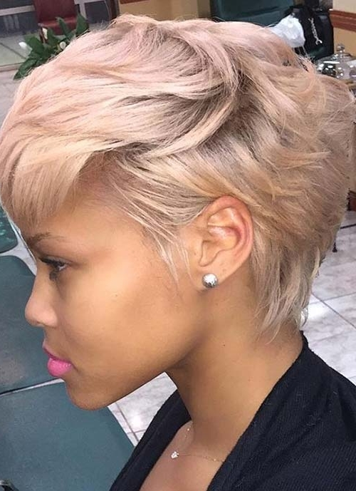 100 Short Hairstyles For Women: Pixie, Bob, Undercut Hair | Fashionisers In Paper White Pixie Cut Blonde Hairstyles (View 17 of 25)