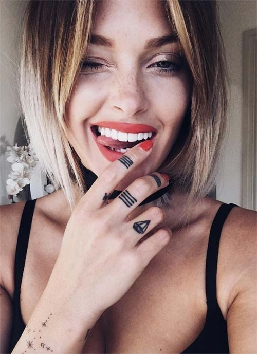 100 Short Hairstyles For Women: Pixie, Bob, Undercut Hair | Fashionisers Intended For Current Side Parted Blonde Balayage Pixie Hairstyles (View 24 of 25)