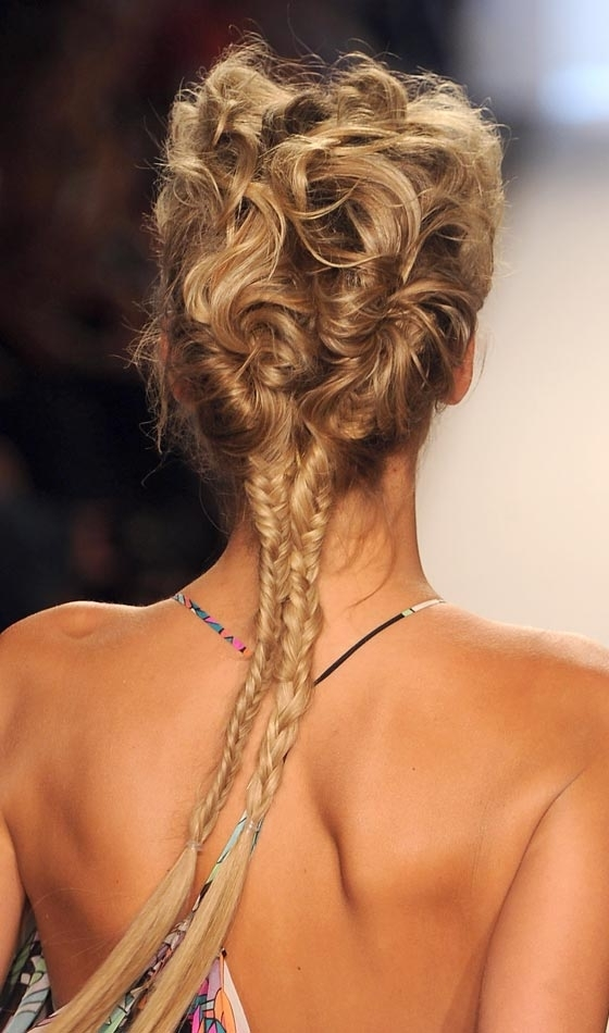 11 Unique Fishtail Braid Hairstyles To Inspire You Pertaining To Rockstar Fishtail Hairstyles (View 6 of 25)