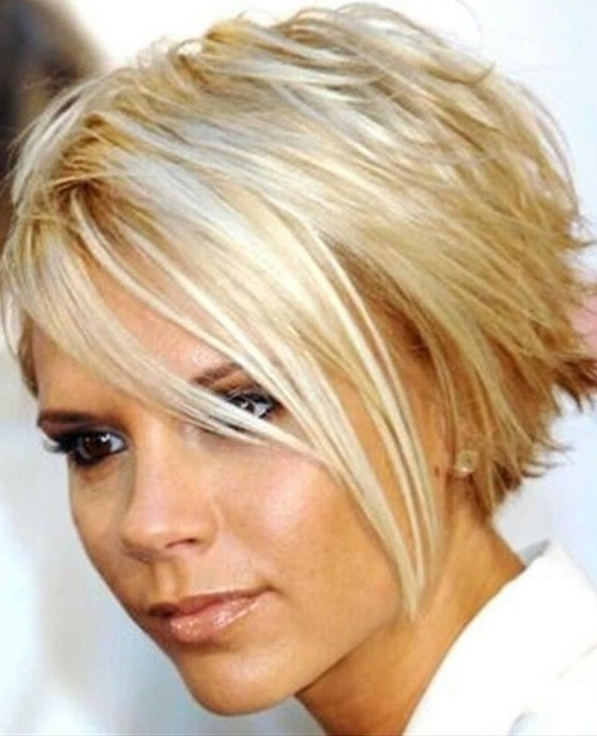 15 Chic Short Haircuts: Most Stylish Short Hair Styles Ideas For Posh Bob Blonde Hairstyles (View 24 of 25)