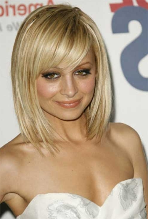 15 Latest Long Bob With Side Swept Bangs | Bob Hairstyles 2018 Regarding Blonde Lob Hairstyles With Sweeping Bangs (View 6 of 25)