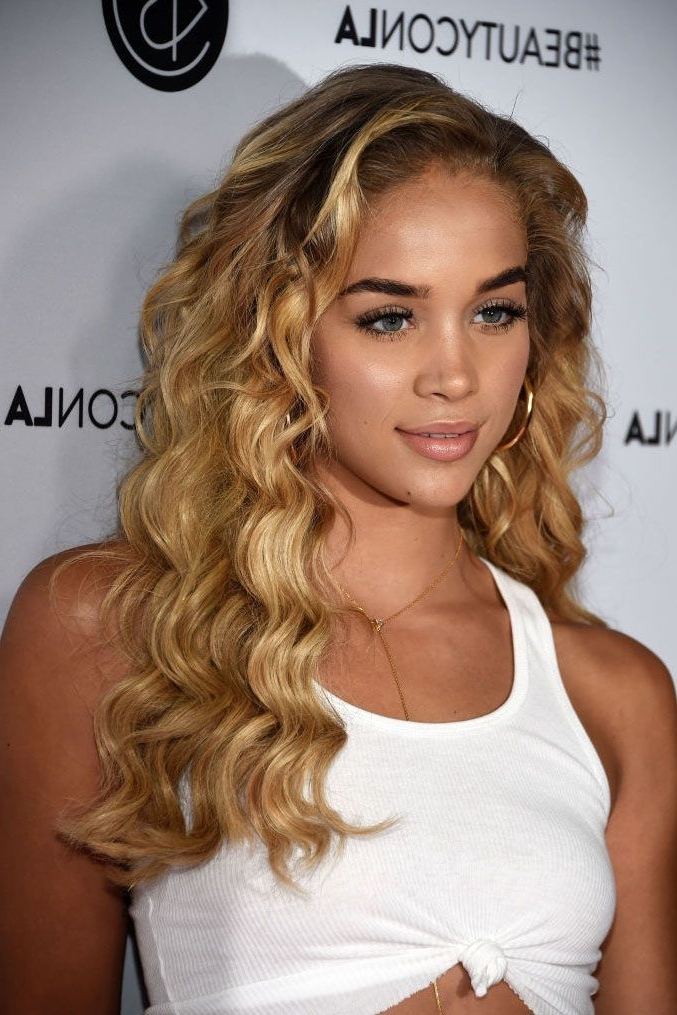15 New Dirty Blonde Hair Color Ideas – Celebrities With Dirty Blonde Regarding Dishwater Waves Blonde Hairstyles (View 12 of 25)
