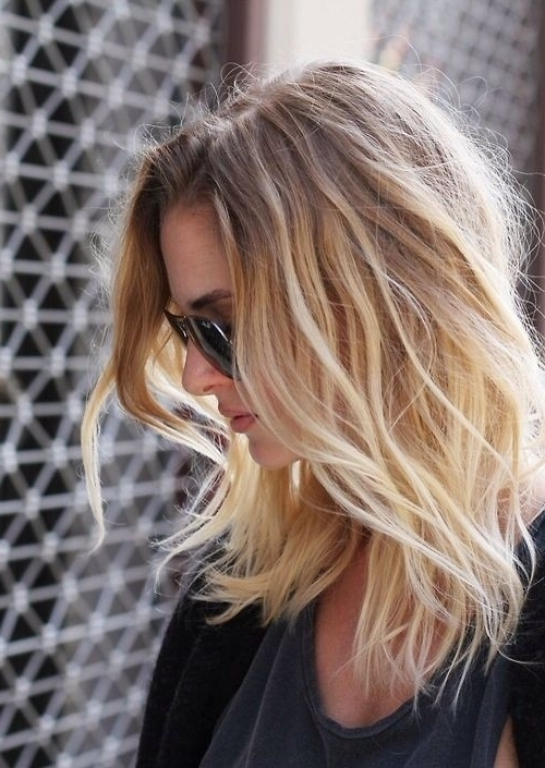 15 Subtle Styles For Medium Length Hair – Hairstyles Weekly Intended For Tousled Shoulder Length Ombre Blonde Hairstyles (View 8 of 25)