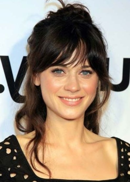 16 Cute And Quick Hairstyles For Everyday Occasions – Celebrity Throughout Half Pony Hairstyles With Parted Bangs (View 24 of 25)