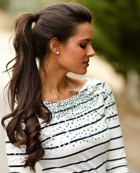 16 Really Simple Hairstyles That Look Gorgeous – Belletag Throughout Accessorize Curled Look Ponytail Hairstyles With Bangs (View 16 of 25)