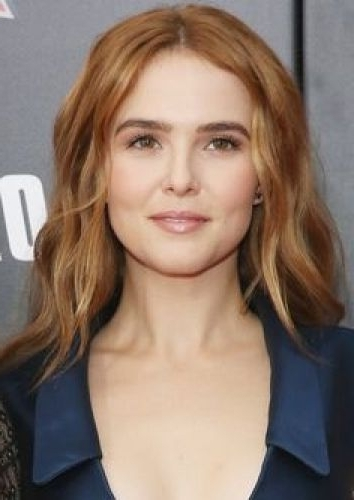 17 Zoey Deutch Awesome Hairstyles (Ponytails, Long Layers, Blonde With Regard To Blonde Ponytail Hairstyles With Beach Waves (View 20 of 25)