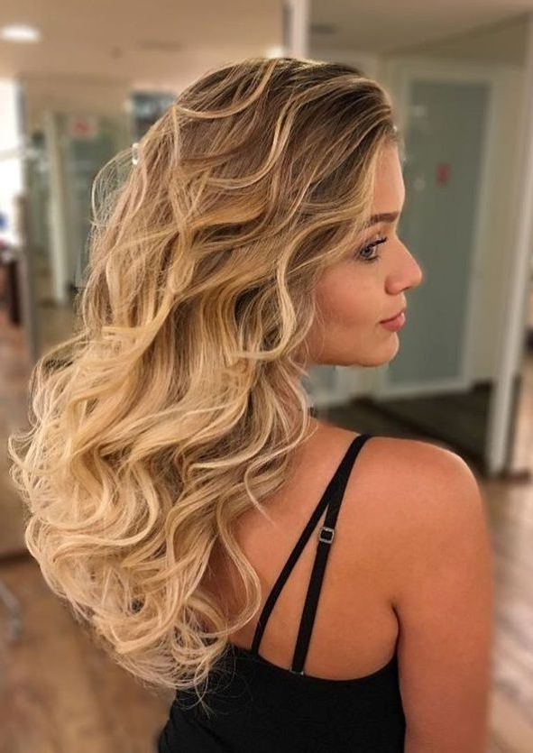 20 Beautiful Blonde Hairstyles To Play Around With | Blonde Hair With Caramel Blonde Hairstyles (View 20 of 25)