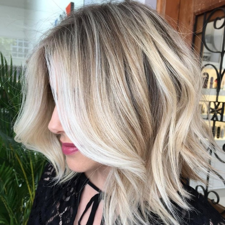 20 Chicest And Best Lob Haircut Ideas Of 2018 With Messy Blonde Lob With Lowlights (View 1 of 25)