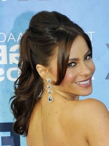 20 Fantastic Formal Wavy Ponytails (Date Night, Prom, Weddings & More) Inside Formal Side Pony Hairstyles For Brunettes (View 4 of 25)