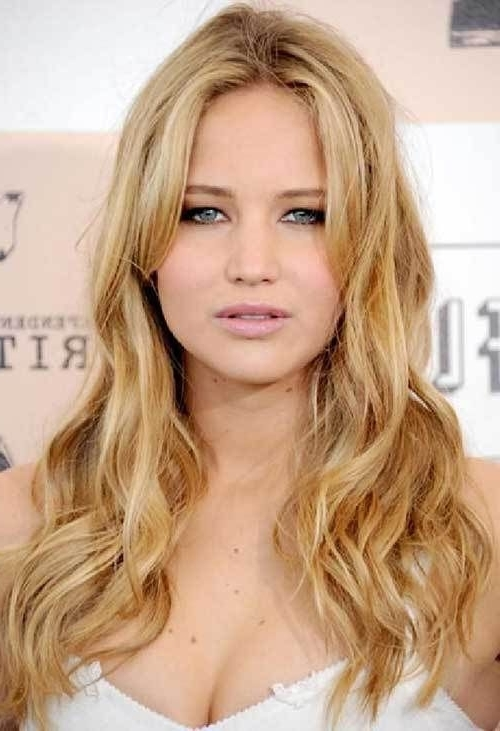 20 Gorgeous Actresses With Long Hairstyles | Jennifer Lawrence Within Porcelain Princess Karate Chop Blonde Hairstyles (View 4 of 25)