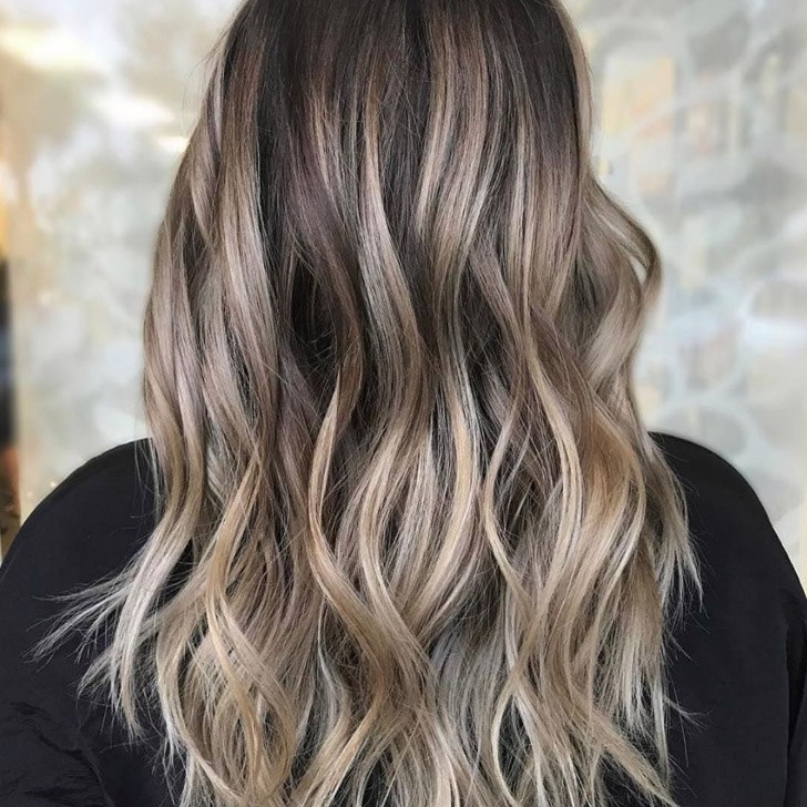 20 Gorgeous Blonde Highlights Ideas For 2018 Intended For Bronde Beach Waves Blonde Hairstyles (View 19 of 25)