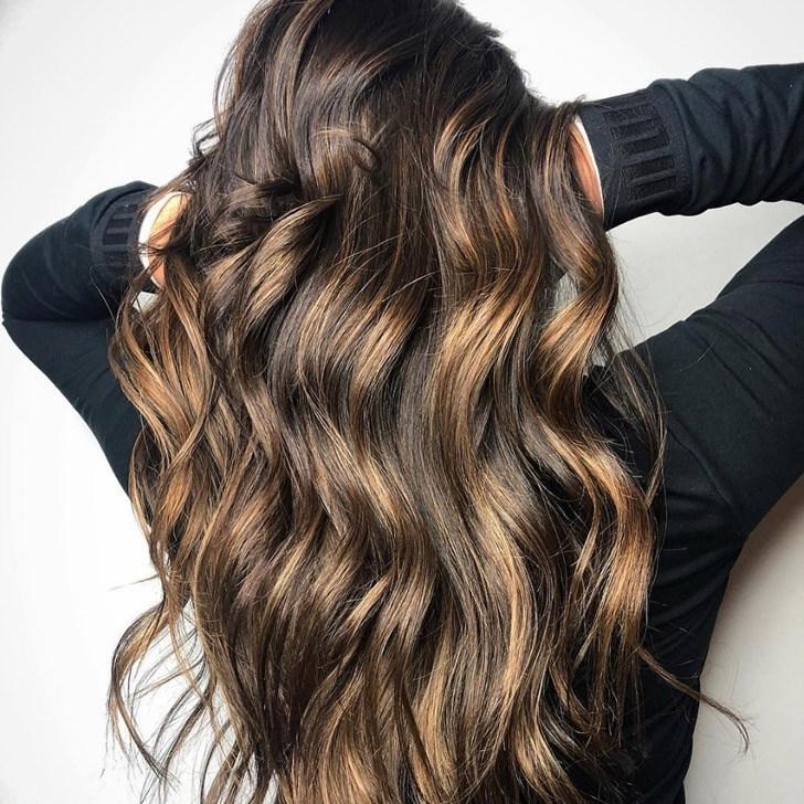 20 Gorgeous Dark Brown Hair With Highlights Ideas Regarding Dark Locks Blonde Hairstyles With Caramel Highlights (View 2 of 25)