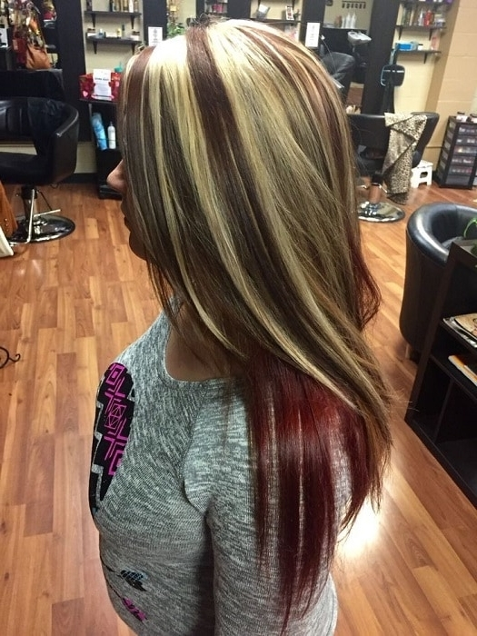 20 Original Black Hair With Blonde And Caramel Highlights In Dark Locks Blonde Hairstyles With Caramel Highlights (View 3 of 25)