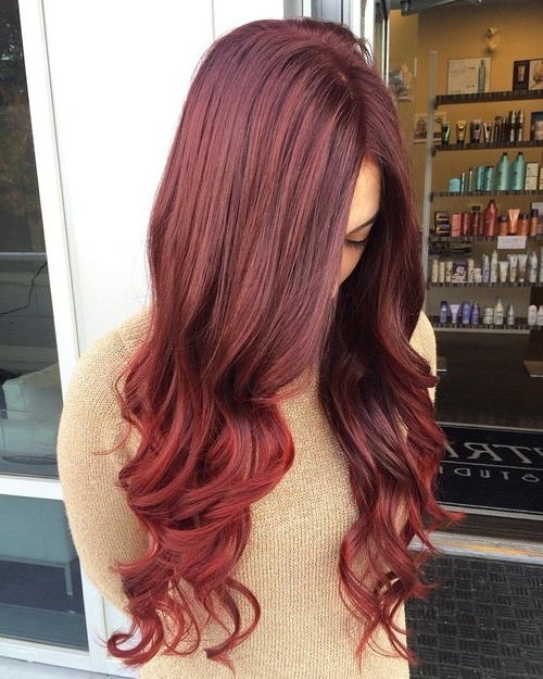 20 Startling Auburn Hair Color Ideas With Blonde Highlights With Loose Curls Blonde With Streaks (View 4 of 25)