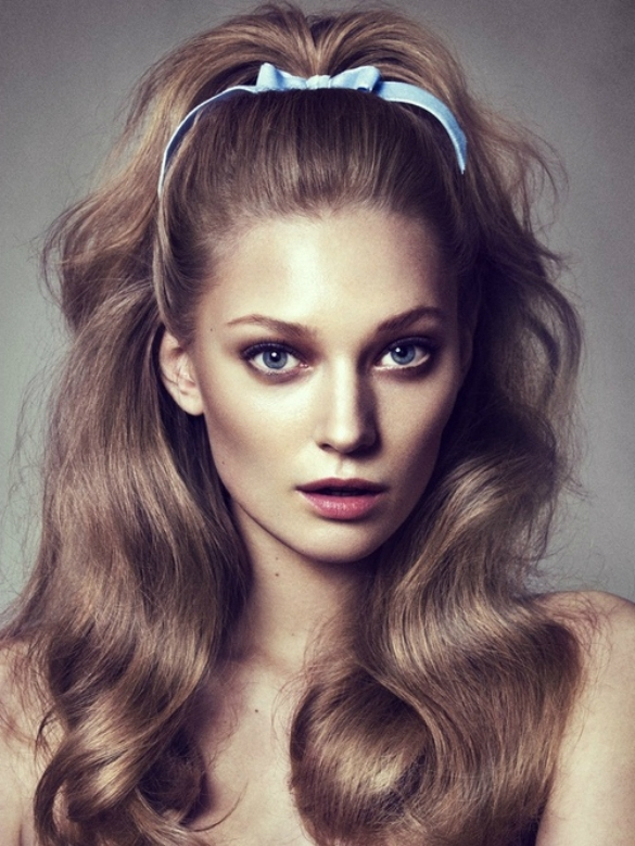 2017 Newest Ponytail Hairstyles – New Hairstyles 2017 For Long In Half Up Curly Look Pony Hairstyles (View 20 of 25)