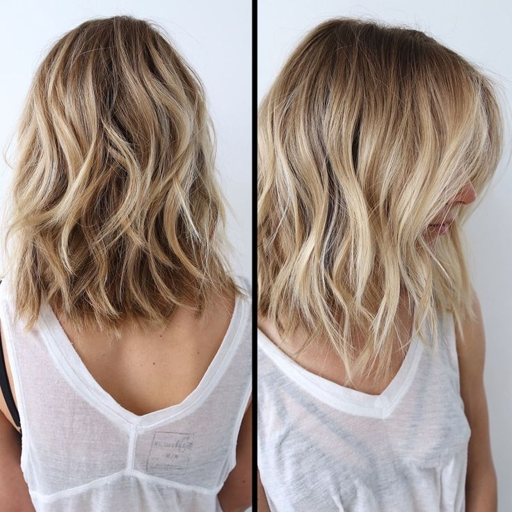 21 Adorable Choppy Bob Hairstyles For Women 2018 Intended For Wavy Caramel Blonde Lob Hairstyles (View 17 of 25)