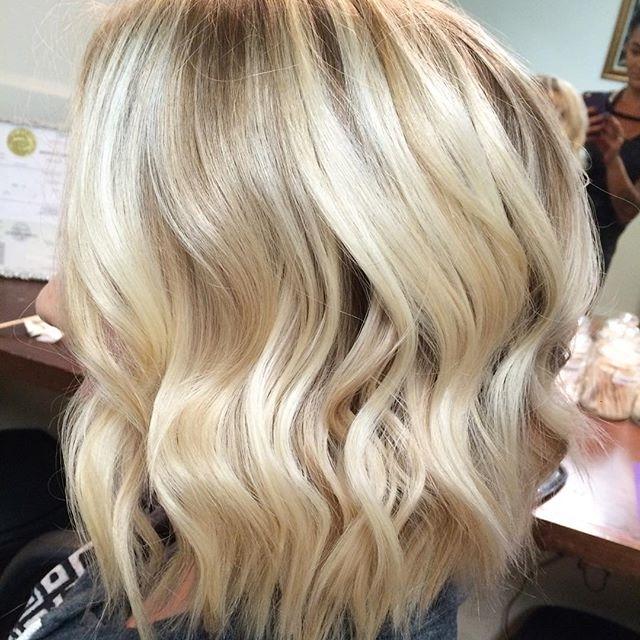 21 Cute Medium Length Bob Hairstyles: Shoulder Length Haircut Ideas With Textured Medium Length Look Blonde Hairstyles (View 8 of 25)