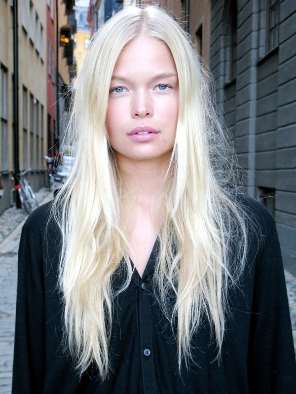 21 Fierce Platinum Blonde Colored Hairstyles To Make Jaws Drop 2018 With Regard To Long Platinum Locks Blonde Hairstyles (View 8 of 25)