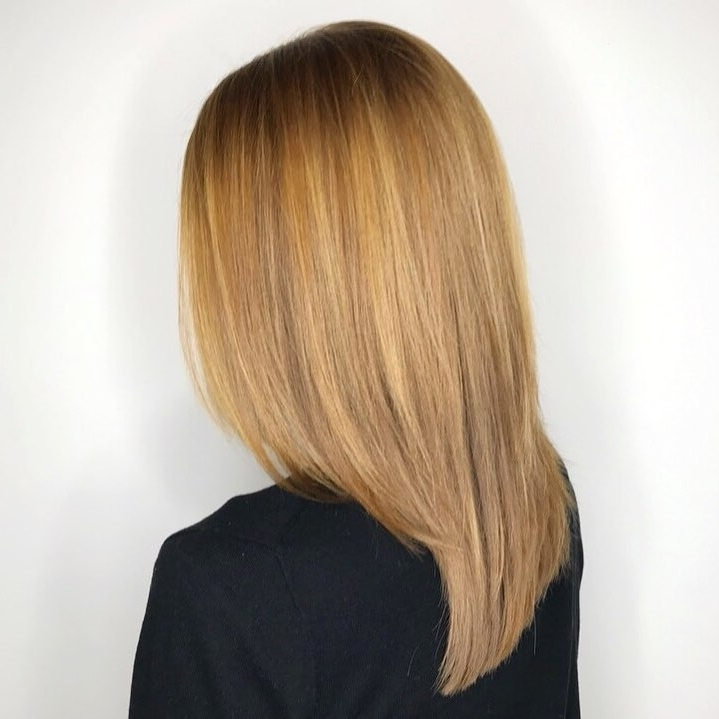 21 Hottest Honey Blonde Hair Color Ideas Of 2018 Intended For Dark Roots Blonde Hairstyles With Honey Highlights (View 3 of 25)