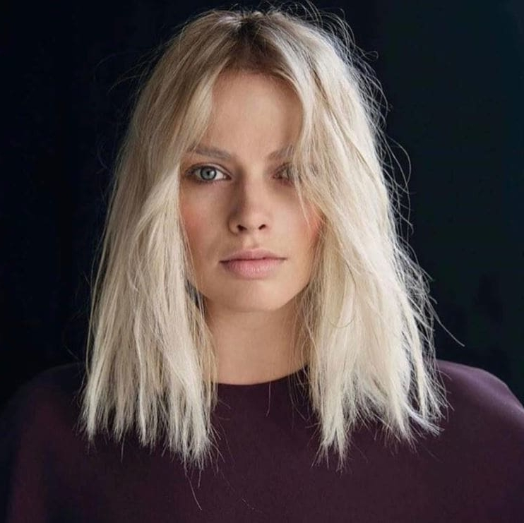 21 Incredible Platinum Blonde Hairstyles You're Sure To Love In Sleek White Blonde Lob Hairstyles (View 16 of 25)