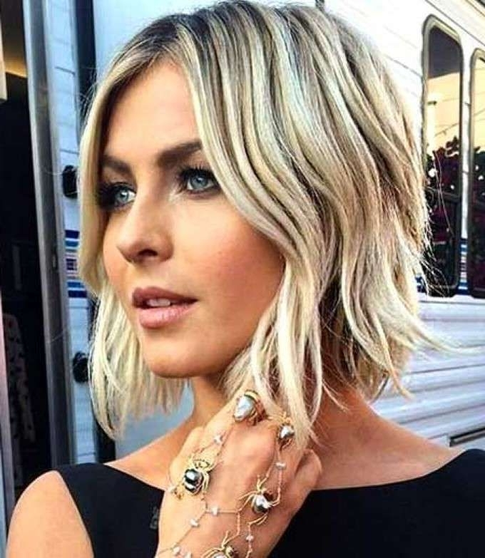 21 Stunning Wavy Bob Hairstyles Popular Haircuts | Haircuts Within Glamorous Silver Blonde Waves Hairstyles (View 6 of 25)