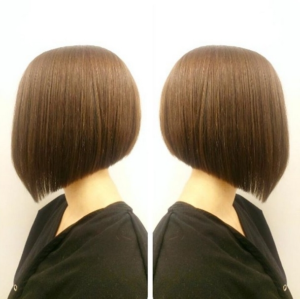 22 Popular Angled Bob Haircuts You'll Want To Copy – Hairstyles Weekly Throughout Steeply Angled A Line Lob Blonde Hairstyles (View 21 of 25)