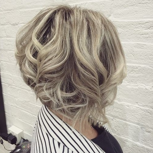 22 Stylish Styles For Inverted Bobs: Short Haircuts For Women 2016 For Gently Angled Waves Blonde Hairstyles (View 17 of 25)