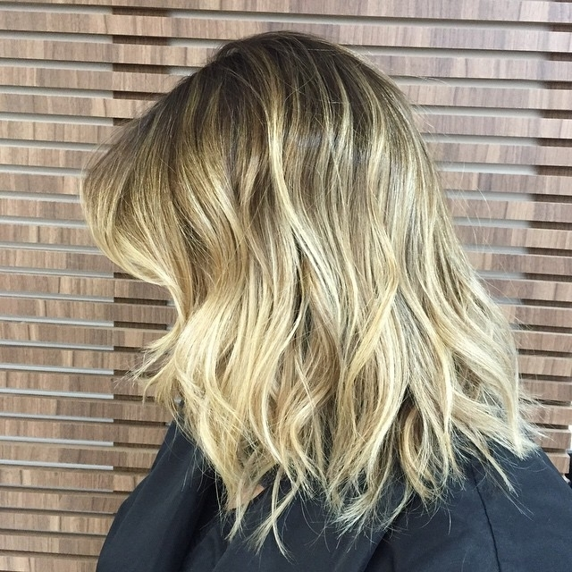 22 Tousled Bob Hairstyles – Popular Haircuts Throughout Tousled Shoulder Length Ombre Blonde Hairstyles (View 3 of 25)