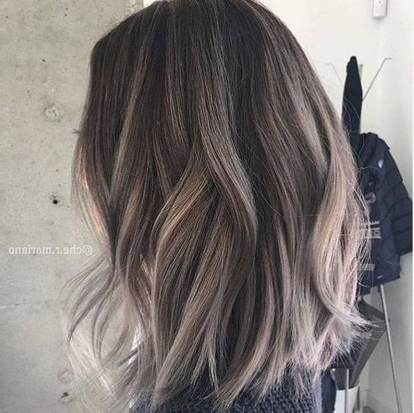 22 Trendy And Tasteful Two Tone Hairstyle You'll Love In 2018 Regarding Bi Color Blonde With Bangs (View 4 of 25)