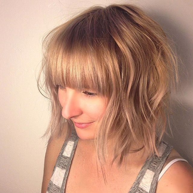 22 Trendy Bob Hairstyles With Bangs – Popular Haircuts In Casual Bright Waves Blonde Hairstyles With Bangs (View 4 of 25)