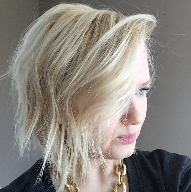 22 Trendy Bob Hairstyles With Bangs – Popular Haircuts In Casual Bright Waves Blonde Hairstyles With Bangs (View 3 of 25)