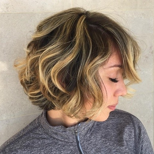 22 Ways To Rock A Wavy Curly Bob Haircut | Styles Weekly Inside Loose Curls Blonde With Streaks (View 6 of 25)