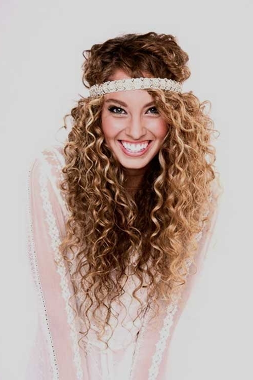 23 Glamorous Layered Curly Hair To Shine Intended For Lush And Curly Blonde Hairstyles (View 3 of 25)