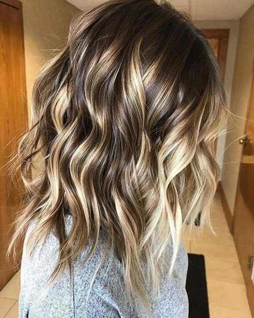 23 Stylish Lob Hairstyles For Fall And Winter | Golden Blonde Pertaining To Brown Blonde Balayage Lob Hairstyles (View 9 of 25)