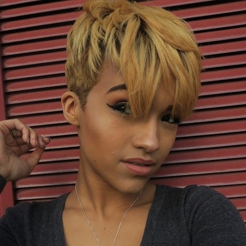 25 Best Hair Color Ideas For Short Pixie Haircuts 2018 – Best Hair Throughout Current Undercut Blonde Pixie Hairstyles With Dark Roots (View 15 of 25)