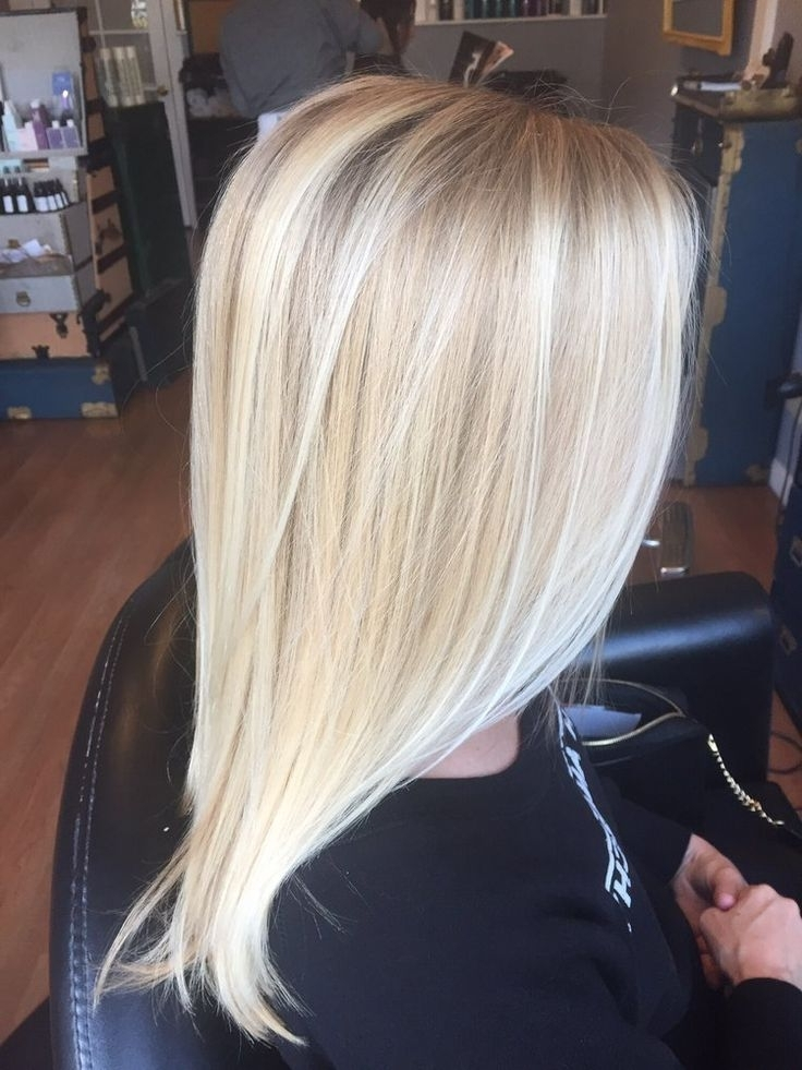 25 Blonde Highlights For Women To Look Sensational – Haircuts Throughout Buttery Highlights Blonde Hairstyles (View 21 of 25)